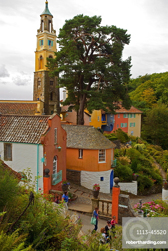 The village of Portmeirion and church tower, founded by Welsh architekt Sir Clough Williams-Ellis in 1926, Portmeirion, Wales, UK