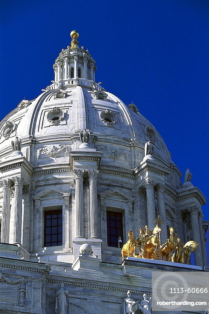 State Capitol St. Paul under blue sky, Twin Cities, Minneapolis, Minnesota, USA, America
