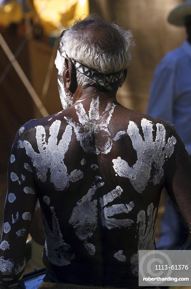 Aborigine, Body painting, Laura Dance Festival, Cape York Peninsula, Queensland, Australia