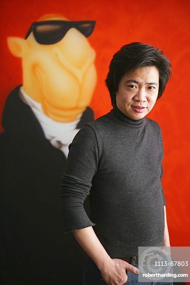ShanghART art gallery, Moganshan, Portrait of painter Zhou Tiehei, born 1966, exibition hall, Gallery, art dealer, art dealer, 50 Moganshan Road