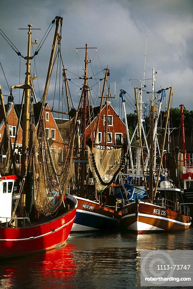 Fishing boats, harbour, Nauharlingersiel, East Frisia, Germany