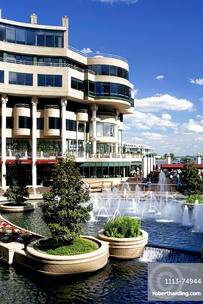 Office buildings and fountain under blue sky, Georgetown, Washington DC, America, USA