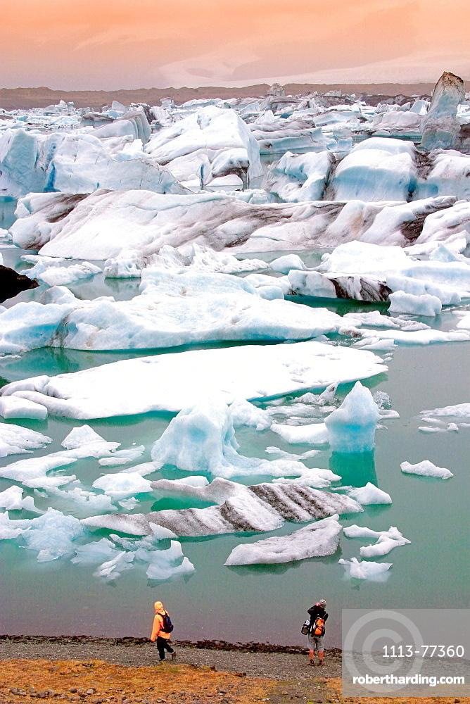 Iceland, Jokulsarlon Glacial Lagoon, Icebergs melting