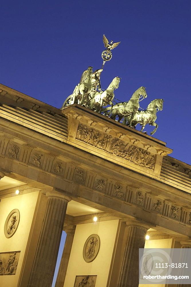 Berlin, Brandenburg gate, Quadriga, twilight