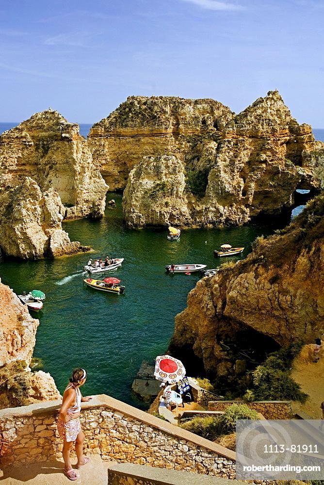 Portugal algarve near Lagos, Ponta da Piedade, Atlantic coast cliff, tour boats