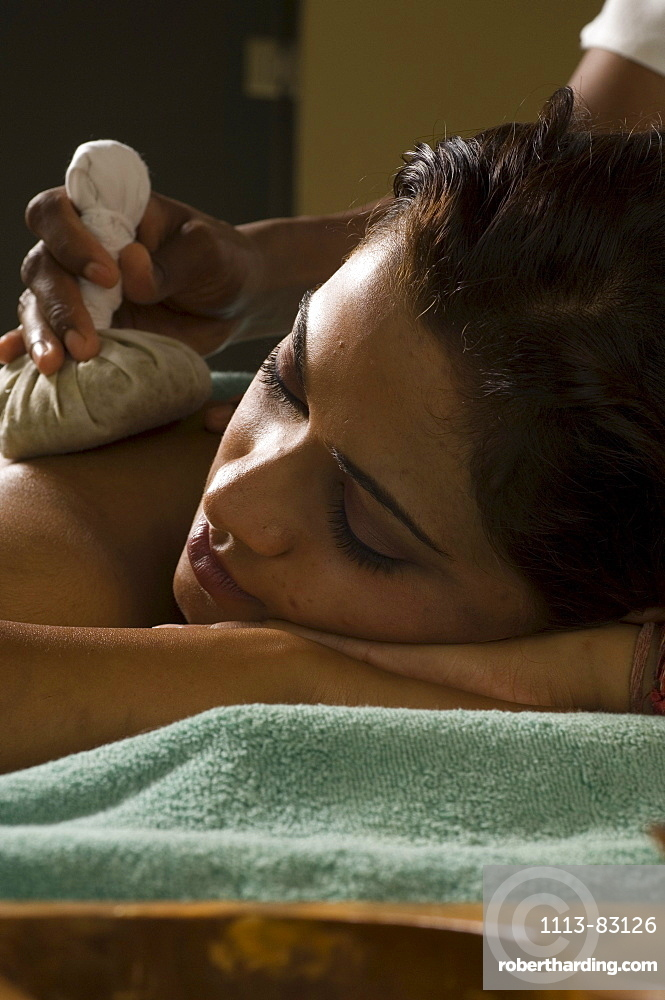 Woman receiving an Ayurveda therapy, Ayurvedic massage treatment, Shanti Ananda Resort und Spa, Mauritius