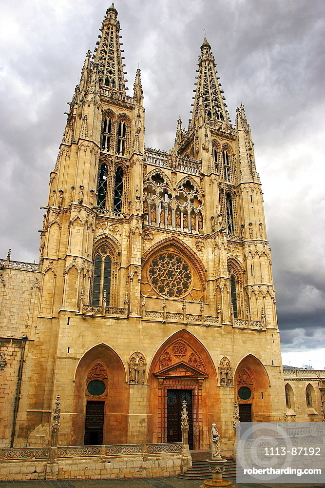 West fassade of the Cathedral Santa Maria, Burgos, Castilla Leon, Spain