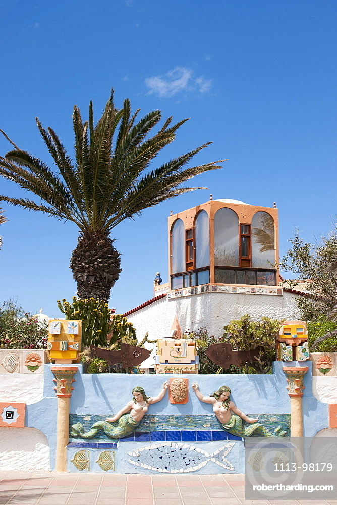 Villa with decorative wall and sculptures, Nature reserve, Corralejo, Fuerteventura, Canary Islands, Spain, Europe