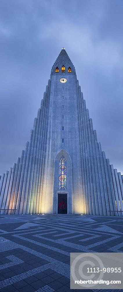 Hallgrimskirkja church in the evening licht, largest parish church in Iceland, Reykjavik, Iceland