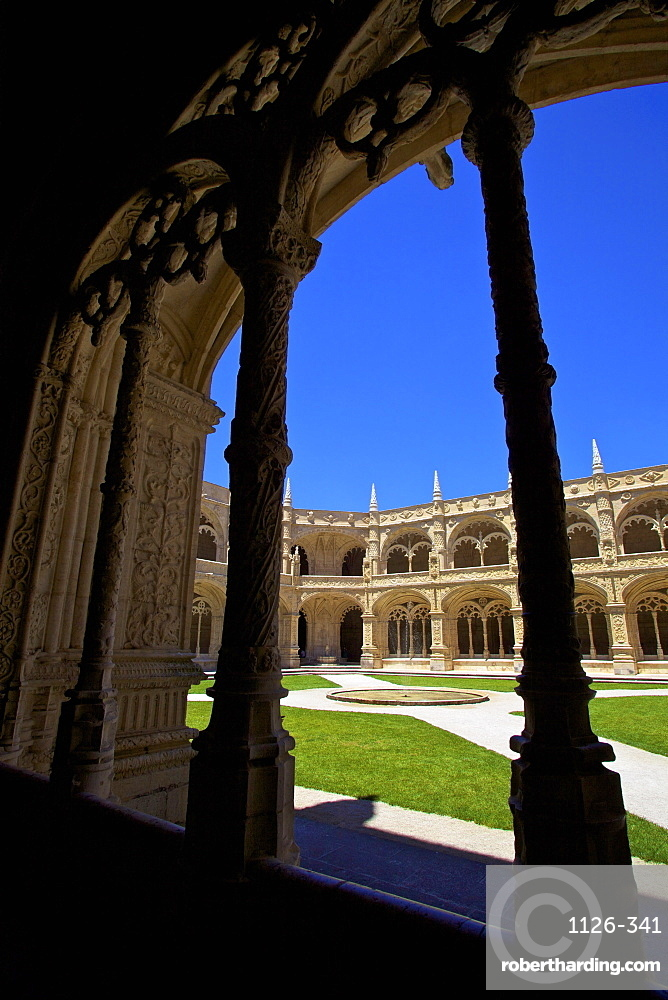 Cloisters, Mosteiro dos Jeronimos, Lisbon, Portugal, South West Europe