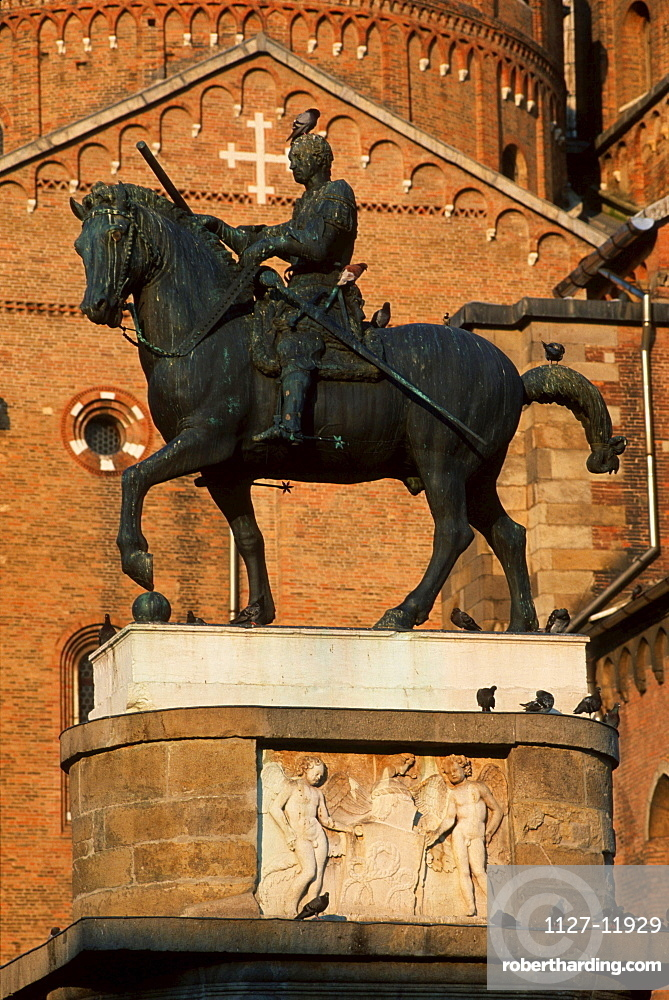 Equestrian statue of Gattamelata in front of the Basilica of Saint Anthony, Padua, Veneto, Italy / Padova