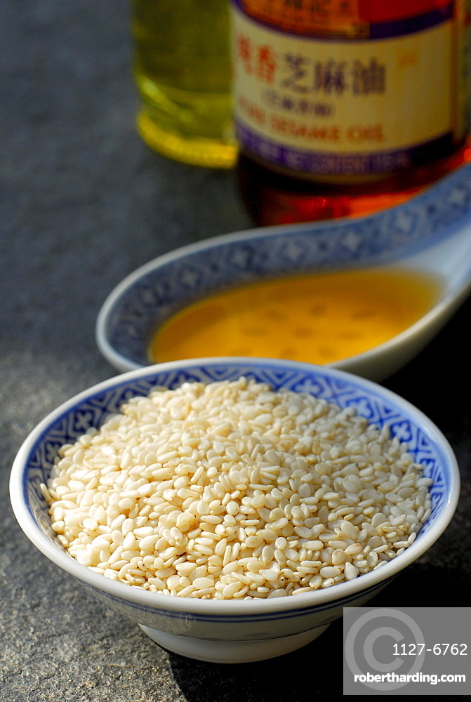 Sesamum oil and White Sesame seed / (Sesamum indicum) / spoon