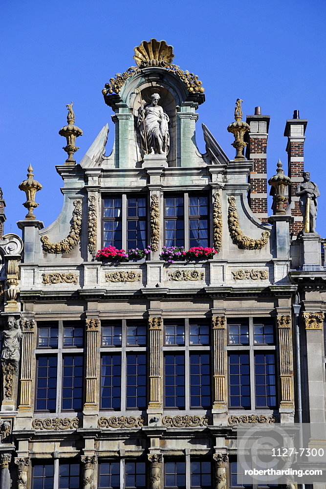 Guildhall of the grocer, Brussels, Belgium / Grand Place, La Brouette