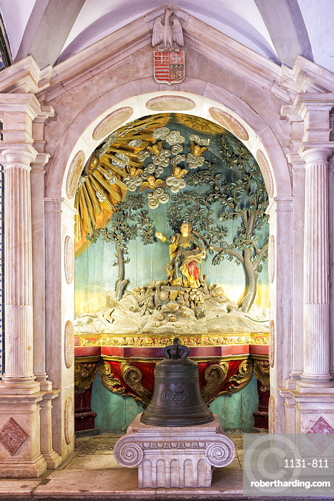 Altar and paintings, Convento de Nossa Senhora da Conceicao (Our Lady of the Conception Convent), Regional Museum Dona Leonor, Beja, Alentejo, Portugal, Europe