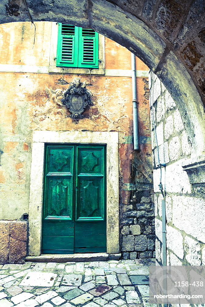 Building detail, Stari Grad (Old Town), The Bay of Kotor, UNESCO World Heritage Site, Kotor, Montenegro, Europe