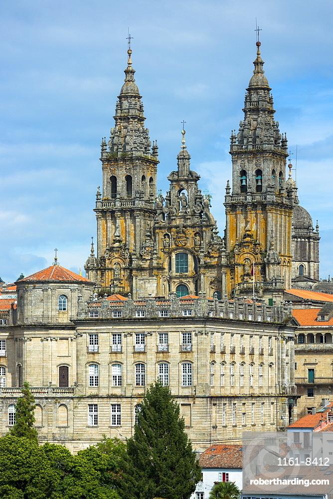 Catedral de Santiago de Compostela, Roman Catholic Cathedral, UNESCO World Heritage Site, and cityscape, Santiago de Compostela, Galicia, Northern Spain, Europe