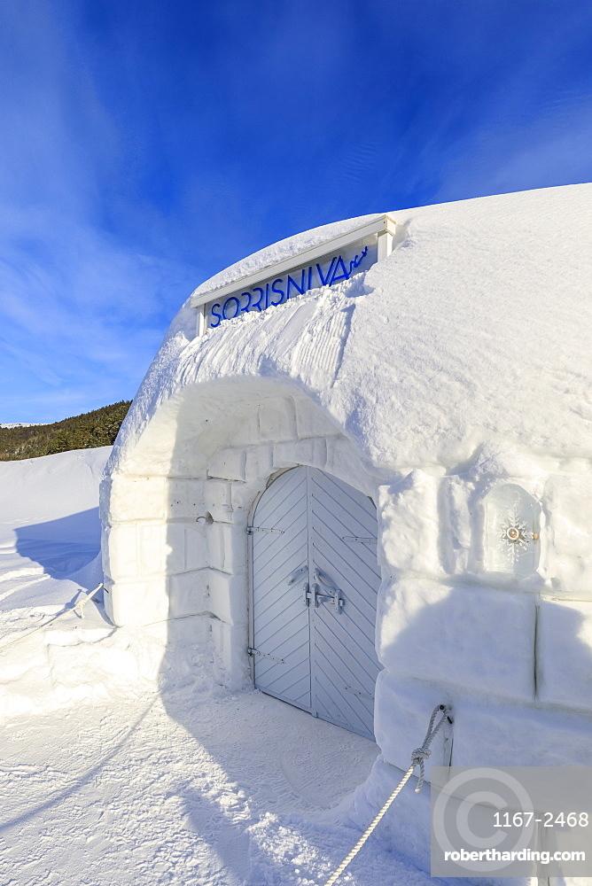 Sorrisniva Igloo Hotel, ice hotel, exterior, Alta, Winter snow and sun, Troms og Finnmark, Arctic Circle, North Norway, Europe