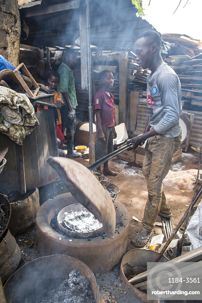 Steel recycling at the Central market, Niamey, Niger, West Africa, Africa