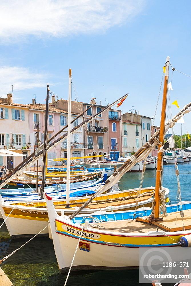 Boats in Martigues port, Bouches-du-Rhone, Provence, Provence-Alpes-Cote d'Azur, France, Europe