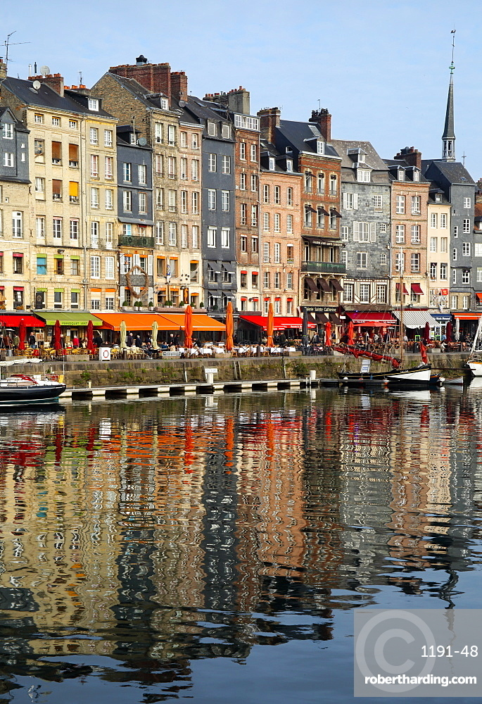 Vieux Bassin, Old Port, with houses reflected in harbour, Honfleur, Normandy, France, Europe