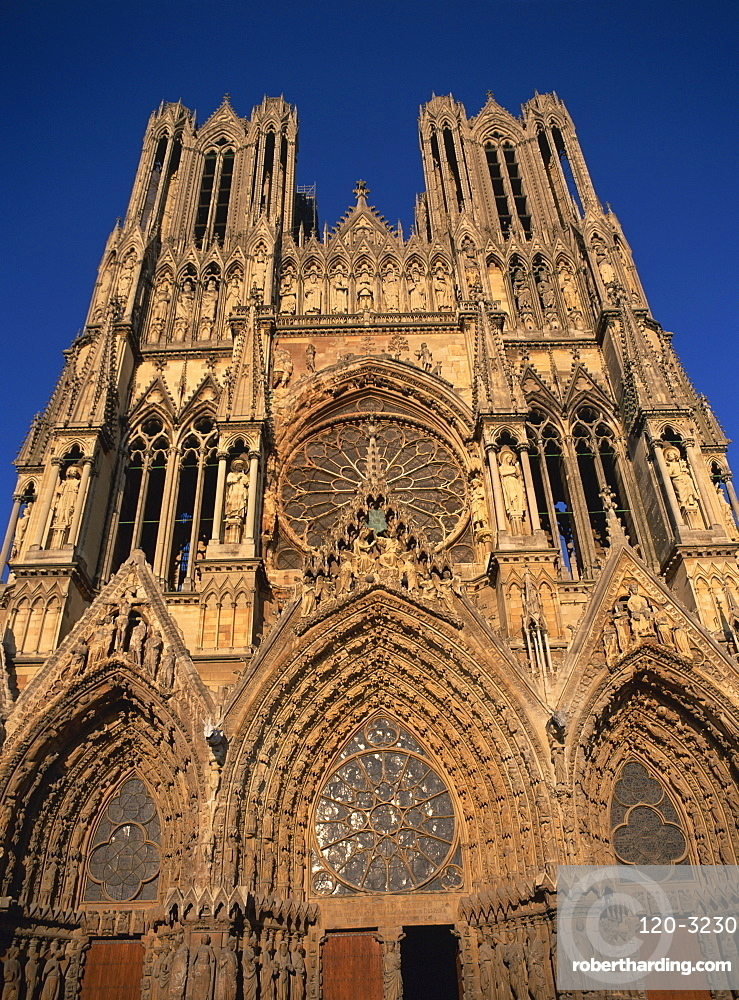 West front facade of Rheims Cathedral, Rheims, Champagne, France, Europe