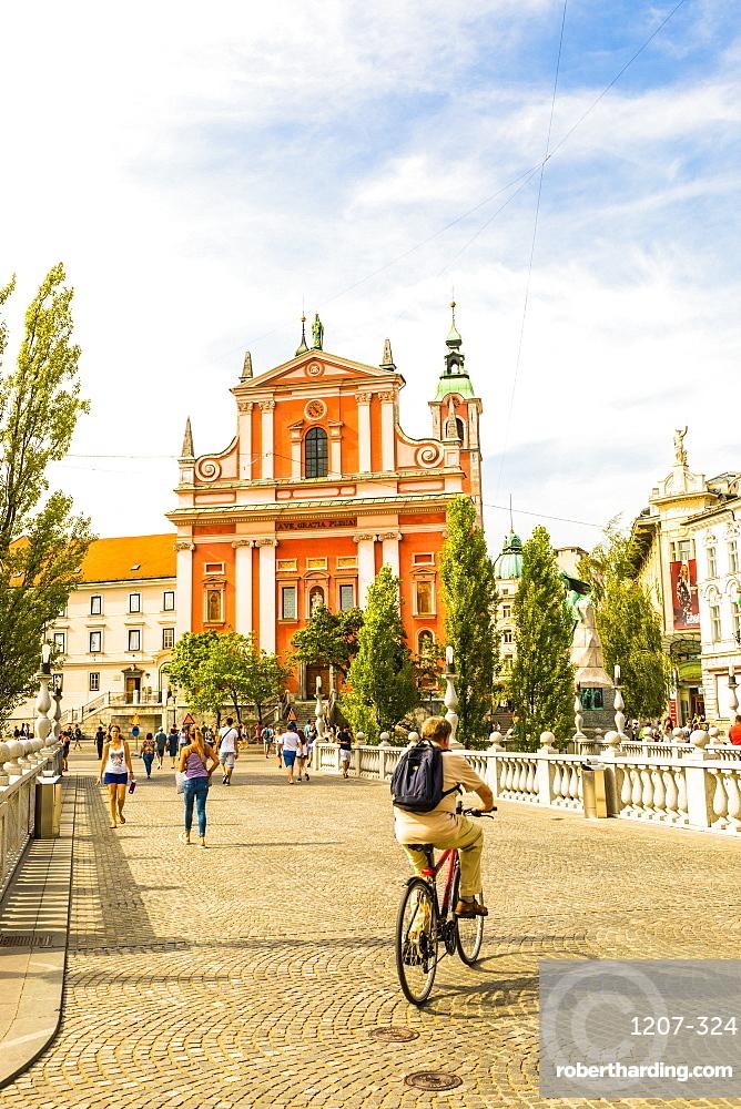Franciscan Church of the Annunciation and Triple Bridge, Ljubljana, Slovenia, Europe