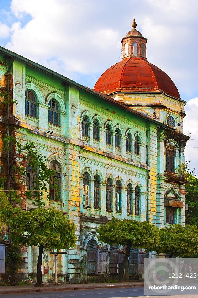 Old Colonial architecture, Yangon (Rangoon), Myanmar (Burma), Asia