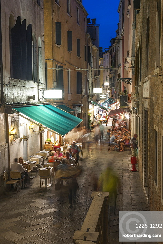 Venice cafes restaurants and street life, Venice, UNESCO World Heritage Site, Veneto, Italy, Europe
