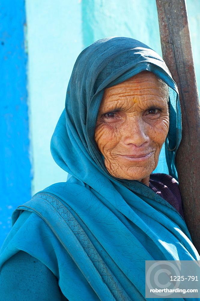 Portrait of an old woman from Uttarakhand (Uttaranchal), India, Asia