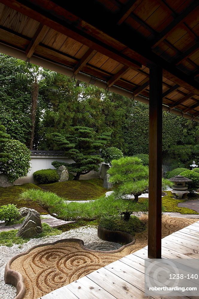 Rock garden created by famous designer Shigemori Mirei, Reiun-in temple, Kyoto, Japan, Asia