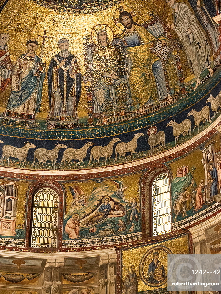 The 12th century mosaics in the Church of Santa Maria in Trastevere, Rome, Italy, Europe