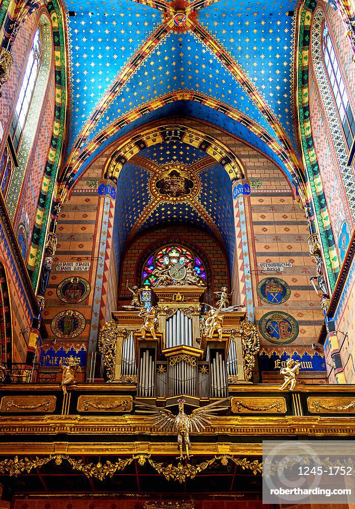 Basilica of Saint Mary, interior, Cracow, Lesser Poland Voivodeship, Poland