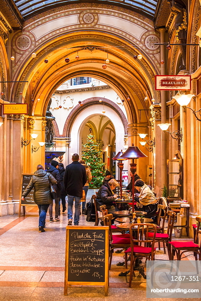 Cafe and shops in the Freyung Passage, Palais Ferstel, Herrengasse street, Innere Stadt, Vienna, Austria, Europe