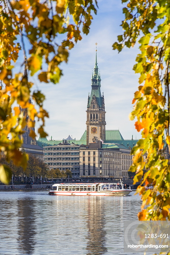 View from the Inner Alster (Binnenalster) to the town hall during autumn, Hamburg, Germany, Europe