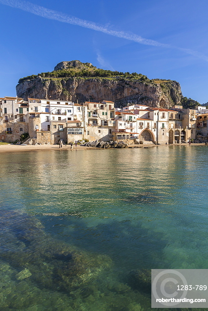 The old town of Cefalu with Rocca di Cefalu in the background, Cefalu, Sicily, Italy, Mediterranean, Europe