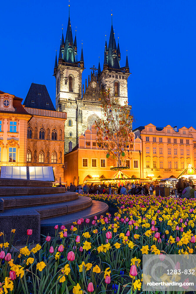 Staromestske namesti (Old Town Square) and Our Lady before Tyn Church at dusk, Prague, Bohemia, Czech Republic, Europe