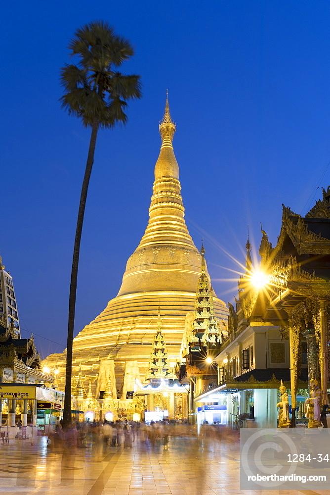 Sunset at Shwedagon Pagoda in Yangon (Rangoon), Myanmar (Burma), Asia