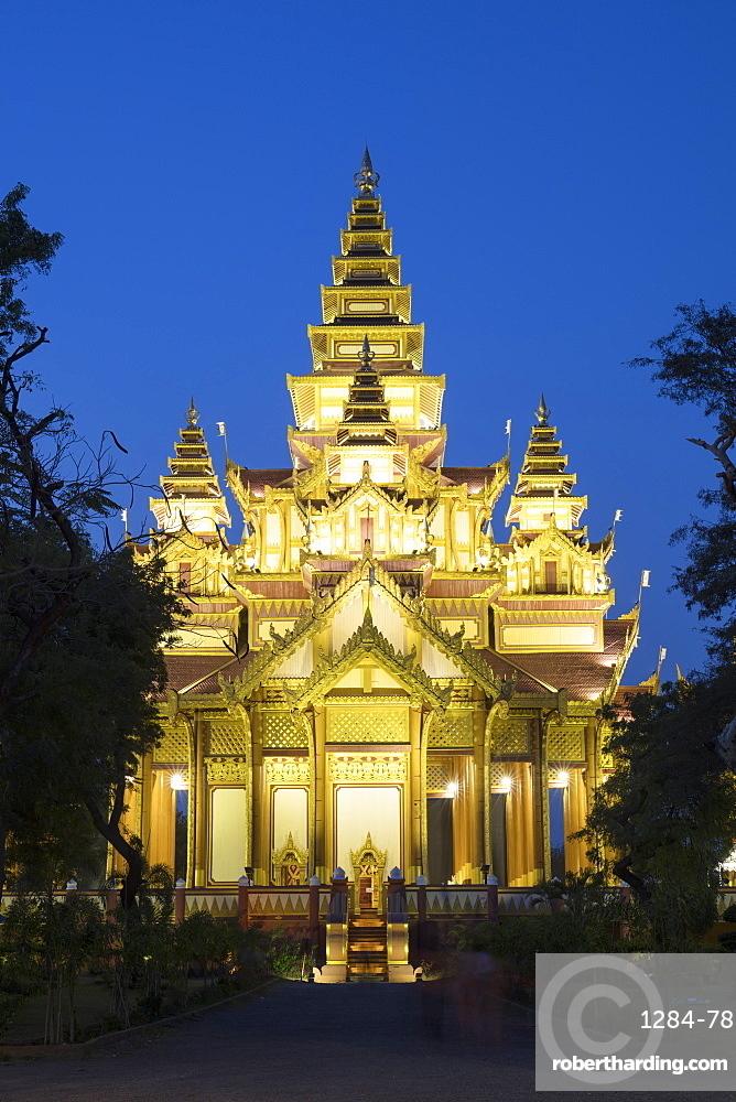 Bagan Golden Palace after sunset, Bagan (Pagan), Myanmar (Burma), Asia