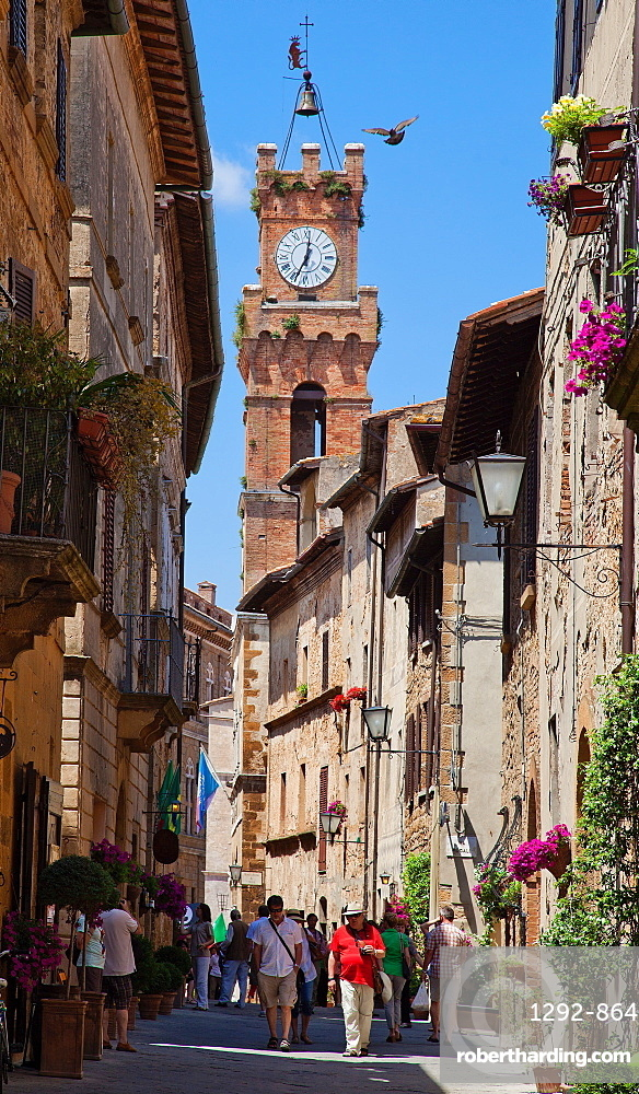 Corso Rossellino, Pienza, Tuscany, Italy