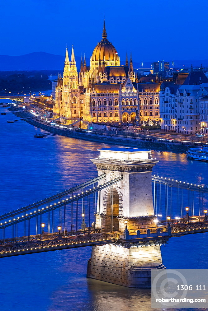 The Chain Bridge over the River Danube and Parliament at night, UNESCO World Heritage Site, Budapest, Hungary, Europe