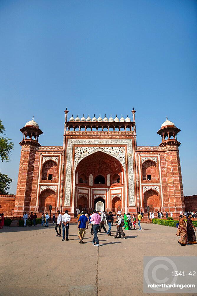 Royal Gate, Taj Mahal, UNESCO World Heritage Site, Agra, Uttar Pradesh, India, Asia