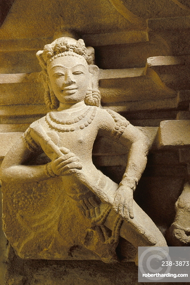 Statue of a dancer from Trakieu, Cham Museum, Danang, Vietnam, Indochina, Southeast Asia, Asia