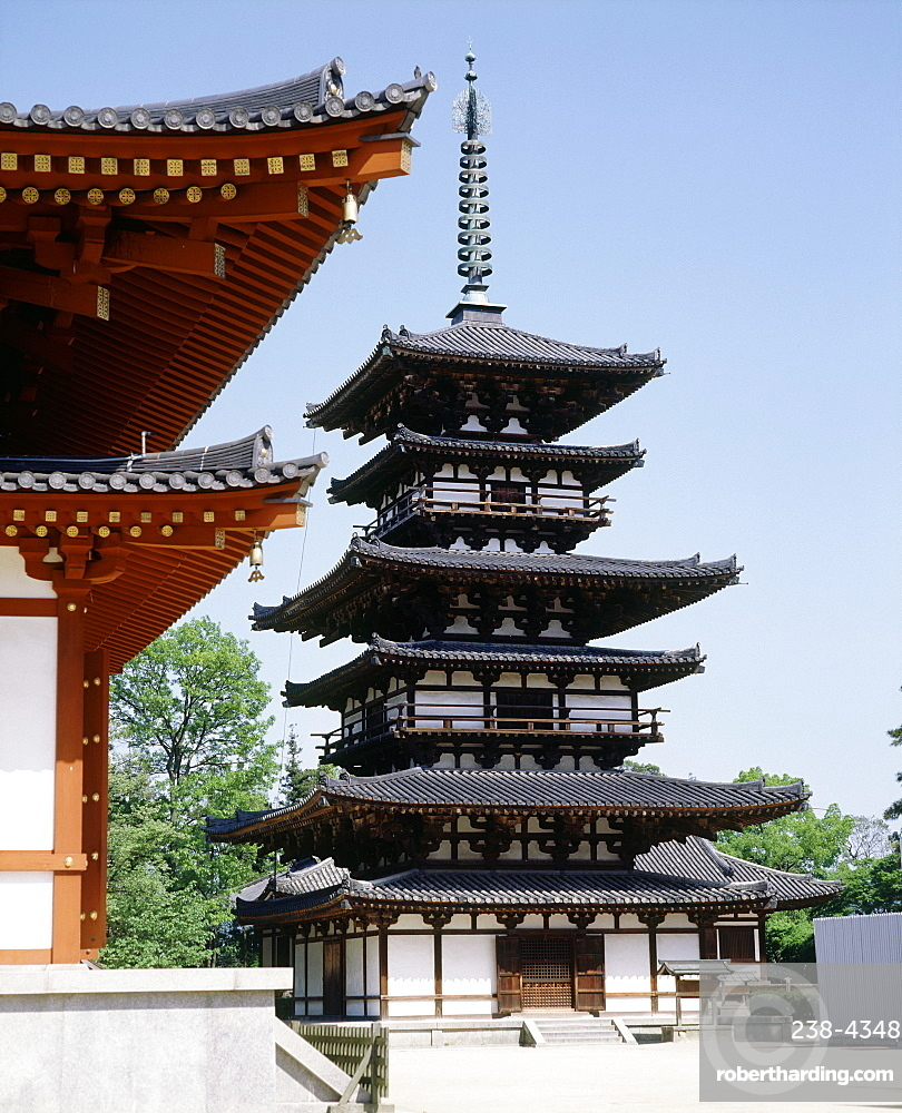 Yakushiji Temple, constructed by Emperor Temmu in the late 7th century, Nara, UNESCO World Heritage Site, Japan, Asia