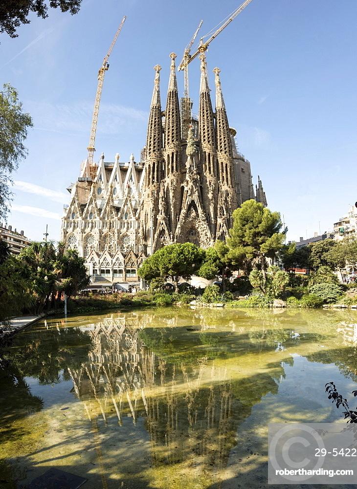 Gaudi's Cathedral of La Sagrada Familia, still under construction, UNESCO World Heritage Site, Barcelona, Catalonia, Spain, Europe