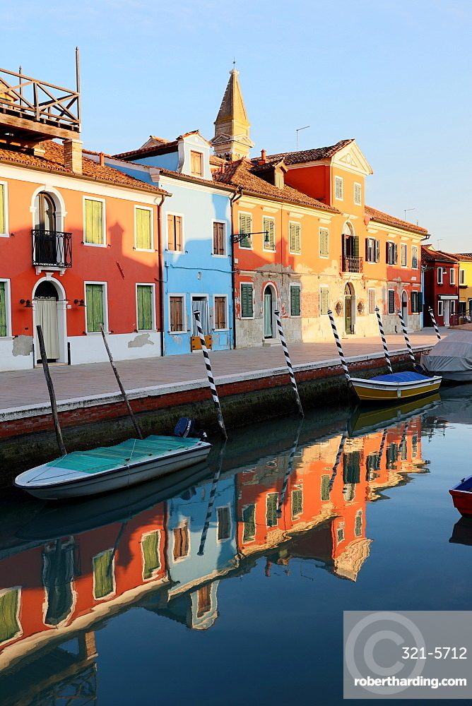 Colourful houses and reflections in canal, Island of Burano, Venice, UNESCO World Heritage Site, Veneto, Italy, Europe