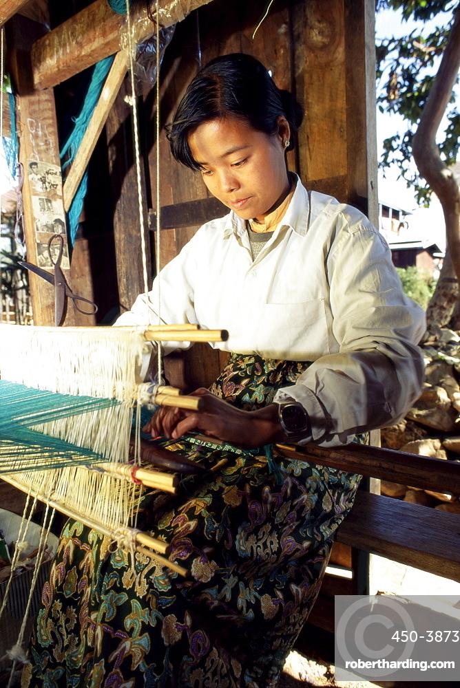 Intha Girl Weaving Longyis Inle Stock Photo