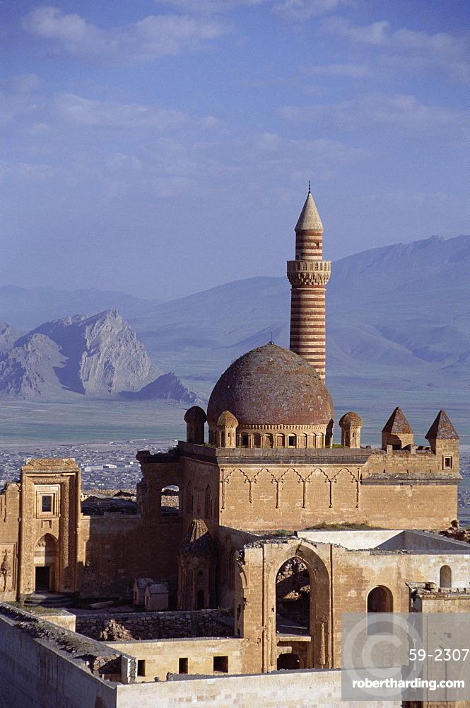 Ishak Pasha Sarayi (Isak Pasa Palace) dating from 18th century, Dogubayazit, Anatolia, Turkey, Asia Minor