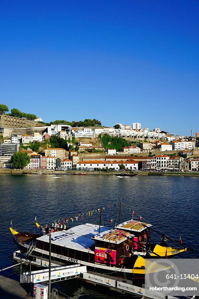 Ribeira district, UNESCO World Heritage Site, Porto (Oporto), Portugal, Europe