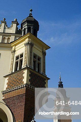 The Cloth Hall (Sukiennice), Main Market Square (Rynek Glowny), Old Town District (Stare Miasto), Krakow (Cracow), UNESCO World Heritage Site, Poland, Europe