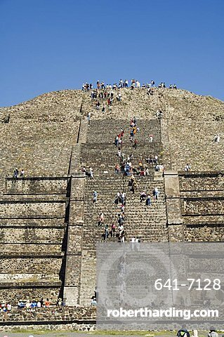 Tourists climbing the Pyramid of the Moon, Teotihuacan, 150AD to 600AD and later used by the Aztecs, UNESCO World Heritage Site, north of Mexico City, Mexico, North America